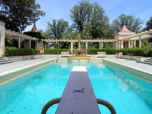 300px Rippon Lea swimming pool Deep Breath! Close Your Eyes! GO!